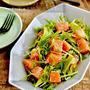 【レシピ】ささっとおつまみに!サーモンと水菜の和風わさびドレッシング和え
