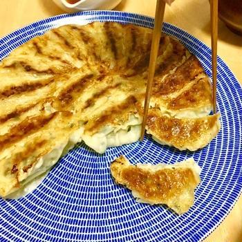 白菜たっぷり!焼き餃子