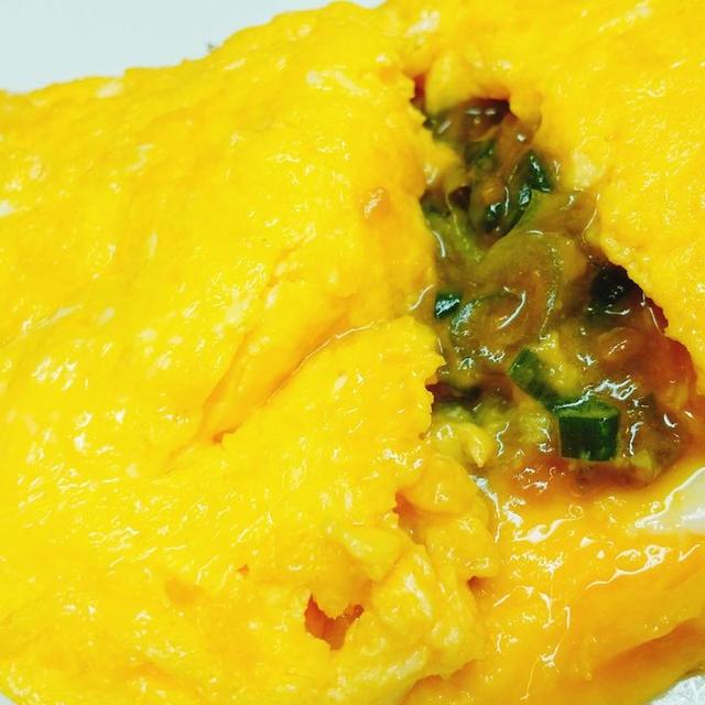 【トロッとした卵との相性抜群】ねぎ味噌オムレツの作り方