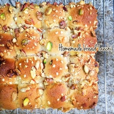 フィナンシェ風ナッツカラメルちぎりパン