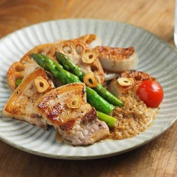 豚ばら肉とレンコンの塩焼き
