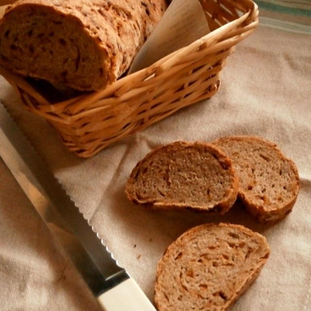 ツヴィーベルブロート~オニオン入りライ麦パン
