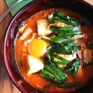 ぽかぽかヘルシーでお腹大満足♪簡単「チゲスープ」レシピ7選