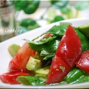 アボカドとトマトのハーブサラダ