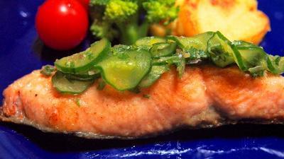 秋鮭の香味野菜のせ和風ムニエル  香味野菜とスダチで爽やかに♪