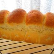 白ねり胡麻と全粒粉の食パン