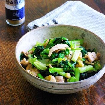 小松菜と豚肉のガーリッククミン醤油レンチン炒め【スパイスアンバサダー2020】【レシピ2051】