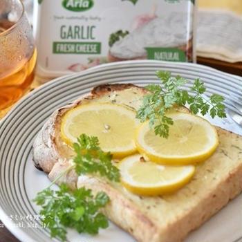便利なクリームチーズでカフェ風おしゃれトースト