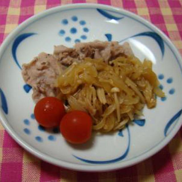 ポークソテー えのき茸と玉ねぎの韓国風ソース
