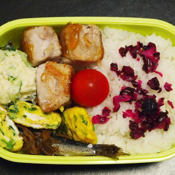 9月2日☆今日のお弁当は、肉巻き厚揚げの甘酢あん弁当