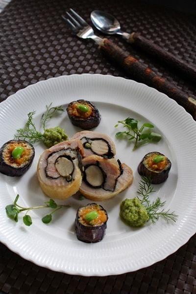 鶏の海苔巻き 枝豆と山椒のソース添え