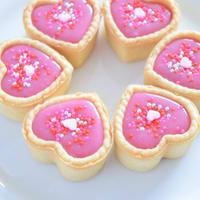 ピンクのハートのチョコレートタルト バレンタインデー♡