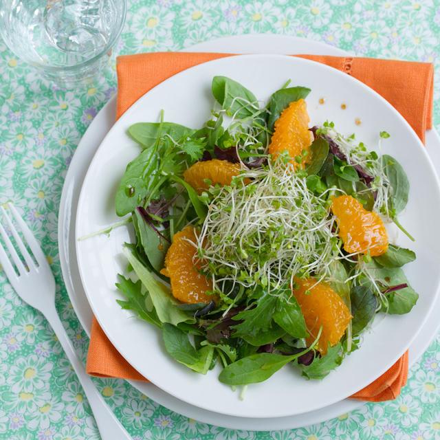 ブロッコリースーパースプラウトとオレンジのサラダ