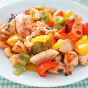 鶏肉と彩り野菜のスタミナカシューナッツ炒め(腰果鶏丁)