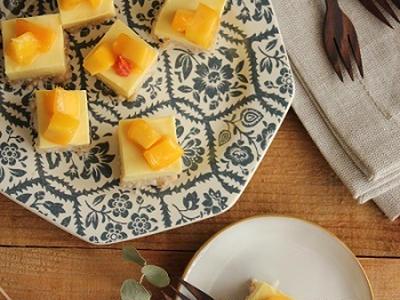 >簡単♪クッキーボトムのひとくちマンゴーレアチーズケーキ by 山本リコピンさん