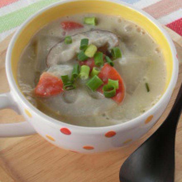 ヘルシーな和風シチュー♪シチュー風塩麹豆乳とろみスープ