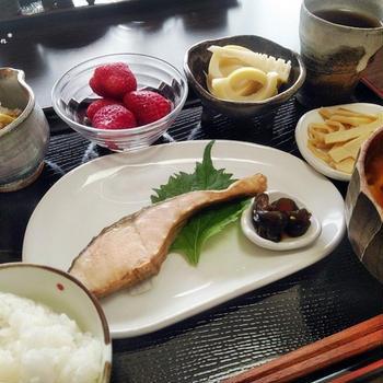 常備菜があるのは楽だね^^ あっという間のちゃんと和食な朝ごはん