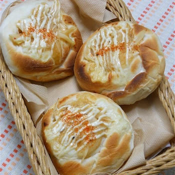 まぜてマジックで簡単!Wタマネギのみそバターパン。