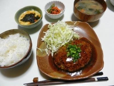 今夜は和食で☆照り焼きハンバーグ☆