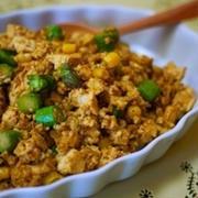 あっさり豆腐が大変身!ごはんによく合うカレー味おかず