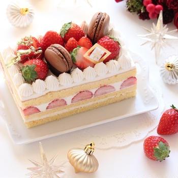 スクエアのクリスマスショートケーキ ~ガトー オ フレーズ