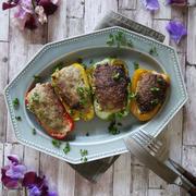一度で晩ご飯とお弁当おかず|ピーマン最強レシピ|【ピーバーグ♡カラーピーマンの肉詰め】|1月21日はスイートピーの日♡
