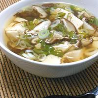 小分けパックで簡単!たっぷり豆腐を食べるおかずスープ。