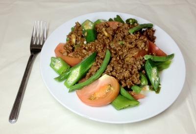 ひき肉と8種類の野菜のサラダパスタ