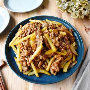 ごはんがすすむスタミナおかず!「牛こま肉と野菜」のボリューム炒め