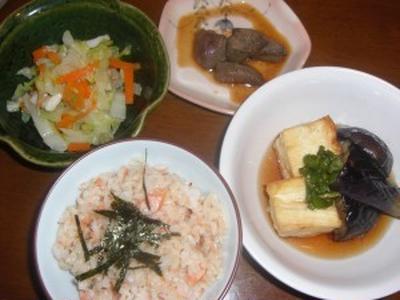 鮭のアラで混ぜご飯