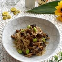 ぱぱっと作れる副菜~しらたきと冷凍しめじのめんつゆ炒め
