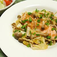 ルクエで簡単!鮭の玉ねぎドレッシング蒸しのレシピ
