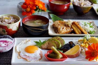 ■続・朝ご飯【③その他の副菜と全貌編】と【娘夫婦からのお土産】です♪