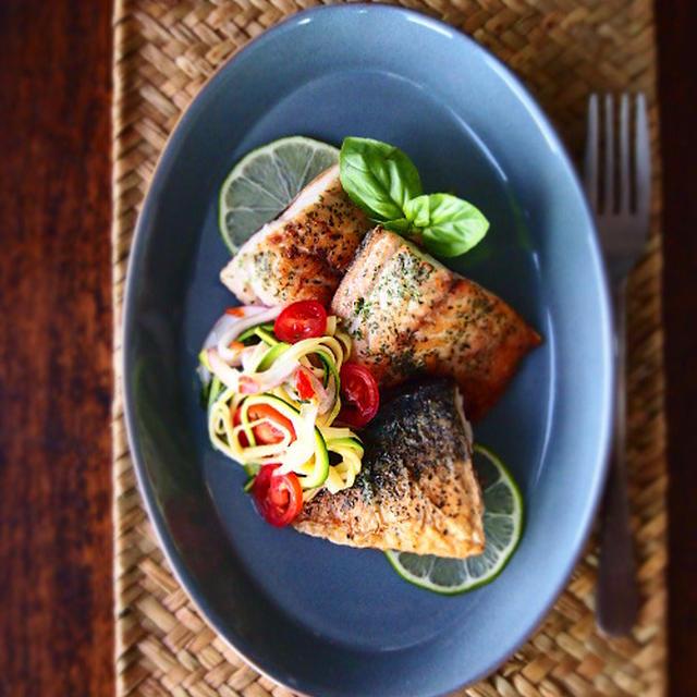 【スパイス大使】タイ風さばの香菜ムニエルと野菜のライムソース