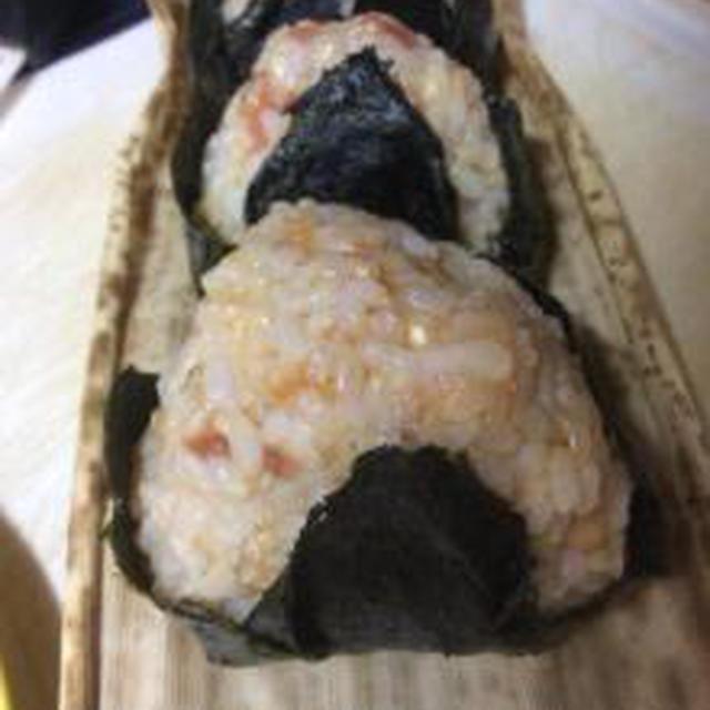 玄米に梅ぼし、竹の皮