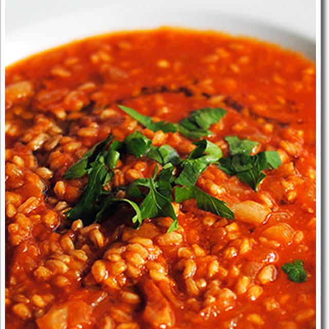 スペルト小麦(古代小麦/ファッロ)とグアンチャーレのスープ