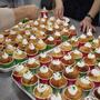 100人分のカップケーキ