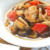 フライパンで簡単おかず!ゴハンに合う〜鶏もも肉と野菜のイタリアンソテー。