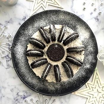 大人クリスマス!ブラック&ホワイトなクッキークリームチーズケーキ