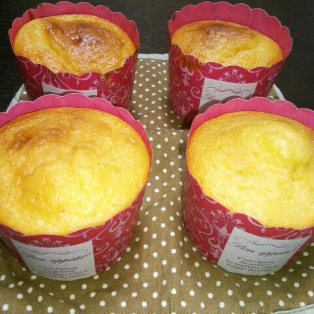 混ぜるだけ!!バター・砂糖不使用☆HMであんずジャムカップケーキ