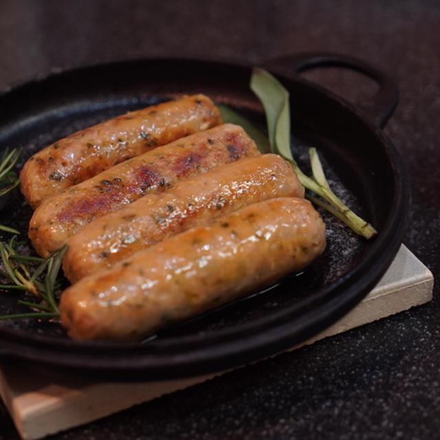 肉汁ブシャーな、手作りソーセージ&うちのチビ黒ギャング