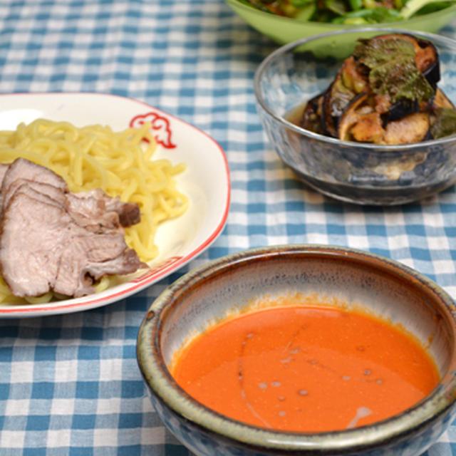 蒸し焼き豚と完熟トマトごまだれつけ麺、なすの万能らっきょう酢漬けの晩ご飯。