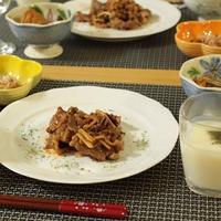 牛肉とトマトのソテーと海鮮丼☆