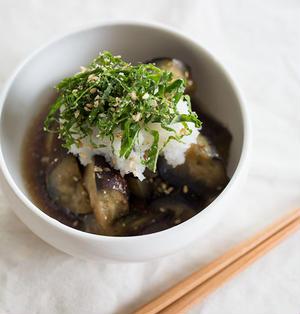 なすの定番おかず!フライパンで手軽に中華風煮浸し