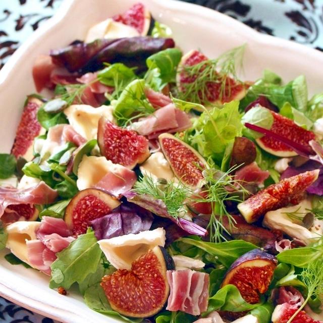 秋にぴったり「無花果と生ハム、カマンベールのサラダ」レシピ