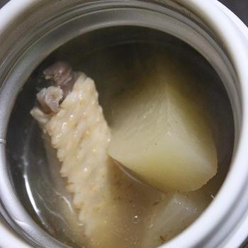 2月9日  大根と鶏スペアリブの煮物