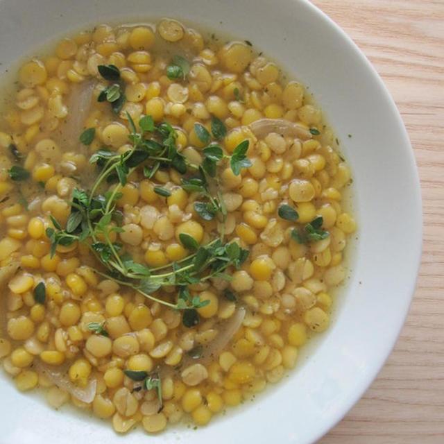 スウェーデンの黄えんどう豆のスープ/ Ärtsoppa