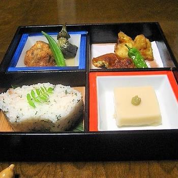 お盆です! 精進料理の松花堂弁当  やってみると案外面白い♪