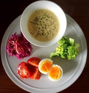 シンプルなワンプレート朝ごはん…紫キャベツのシナモンシュガーマリネ…スパイス大使。