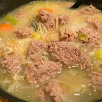 豚ひき肉で肉団子鍋